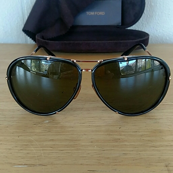 b3e0e62e13 TOM FORD Cyrille TF109 Aviator Sunglasses. M 5bf83a41df0307c4d6c88983